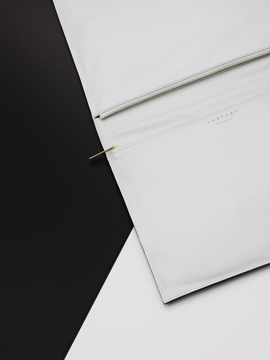 TSATSAS OTHER ONE pouch bag for 10 by Yatzer