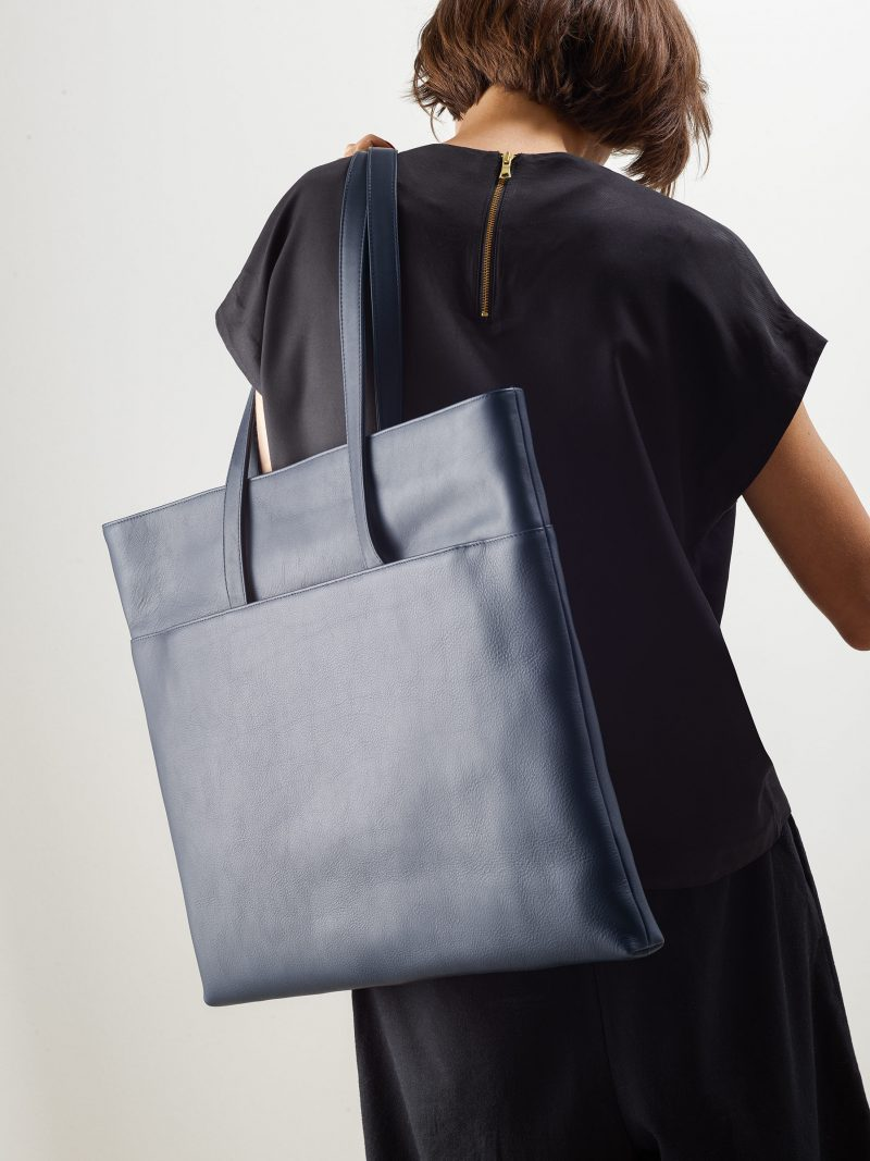 ATLAS shoulder bag in navy blue calfskin leather | TSATSAS