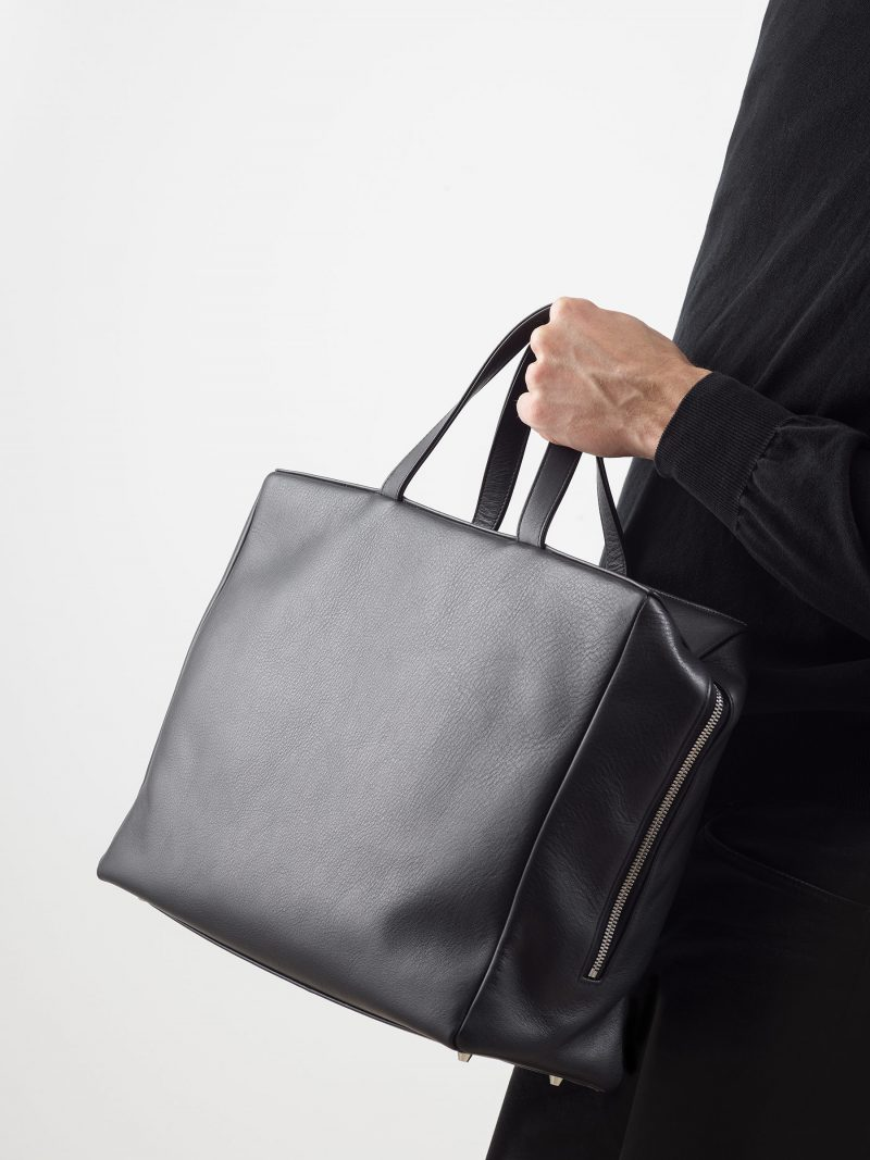 COEN tote bag in black calfskin leather | TSATSAS