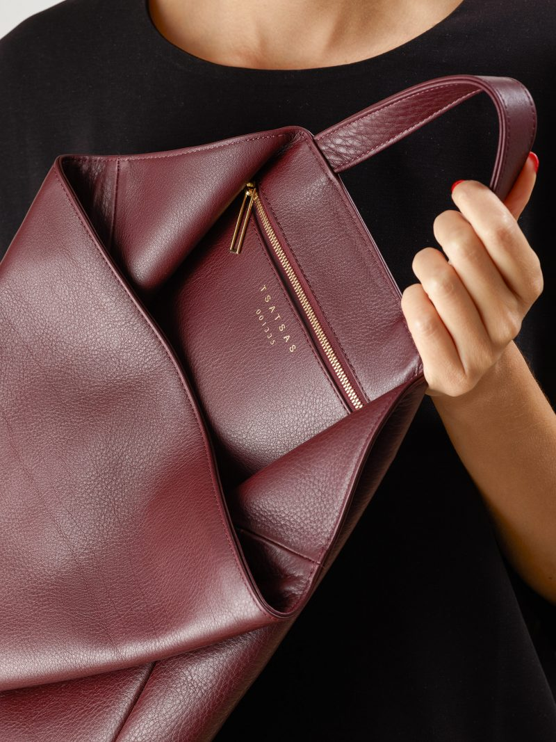 FLUKE tote bag in burgundy calfskin leather | TSATSAS