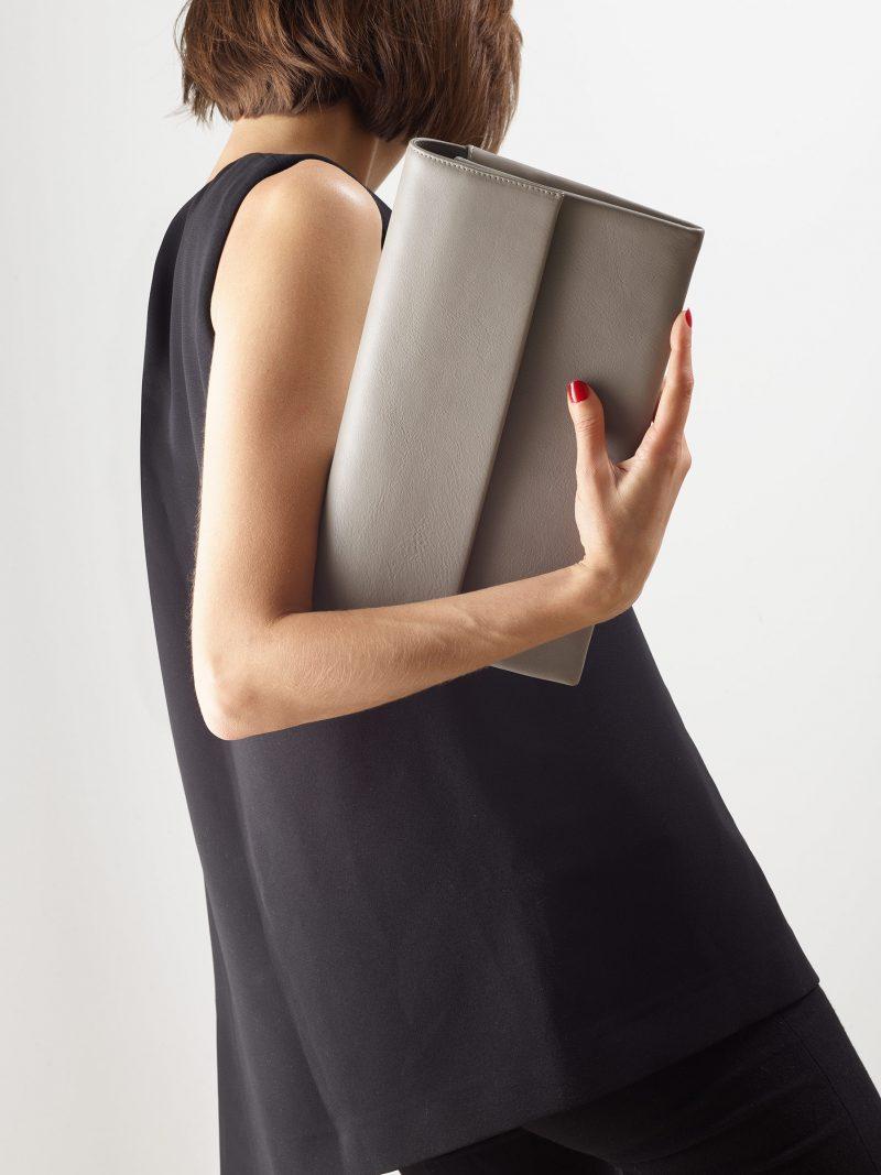 HAZE clutch bag in grey calfskin leather   TSATSAS