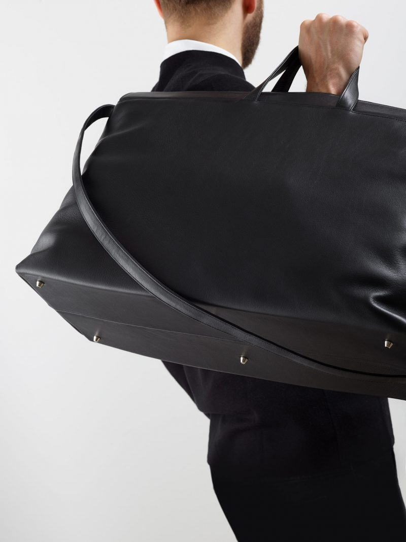 KHAMSIN weekender in black calfskin leather | TSATSAS