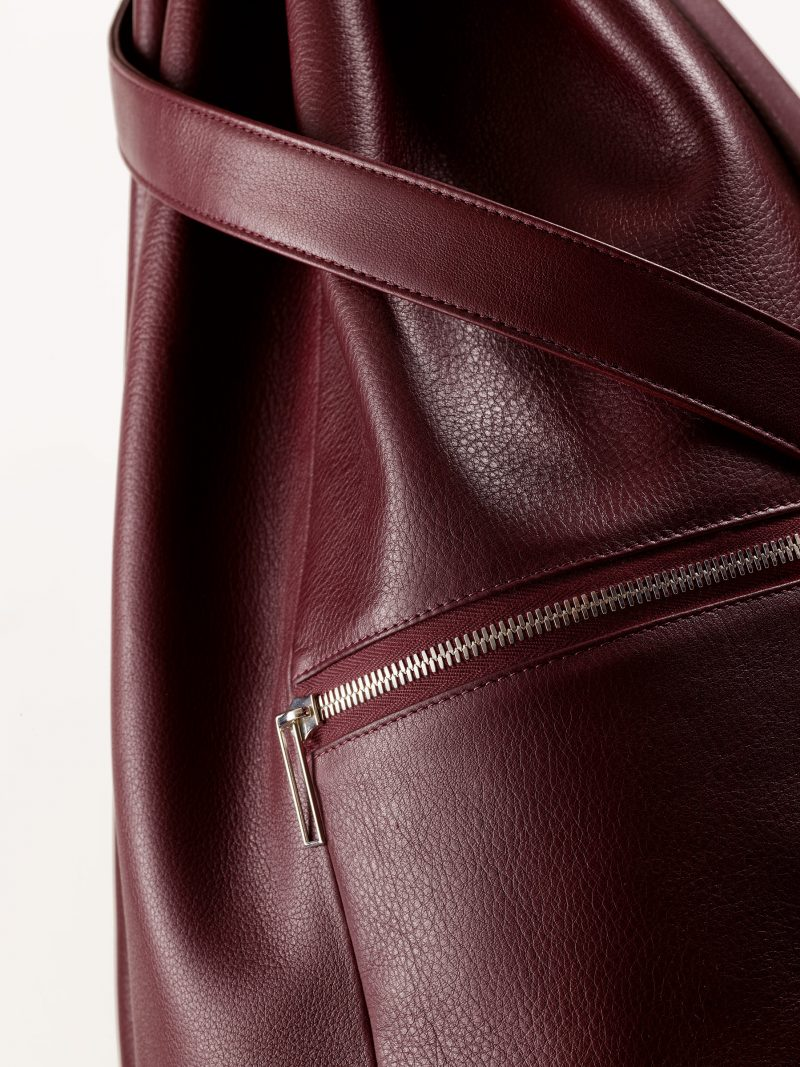 KILO seaman's bag in burgundy calfskin leather | TSATSAS