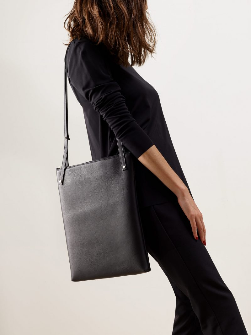 KRAMER 3 shoulder bag in black calfskin leather | TSATSAS
