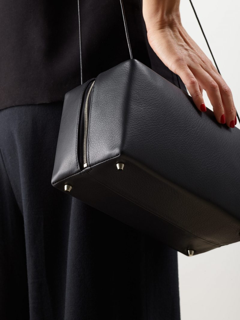 LINDEN shoulder bag in black calfskin leather | TSATSAS