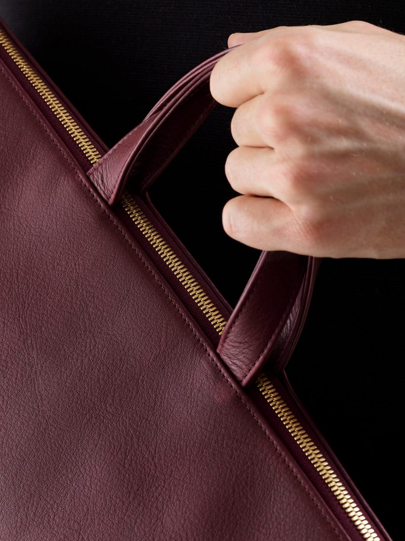 LUCID tote bag in burgundy calfskin leather | TSATSAS
