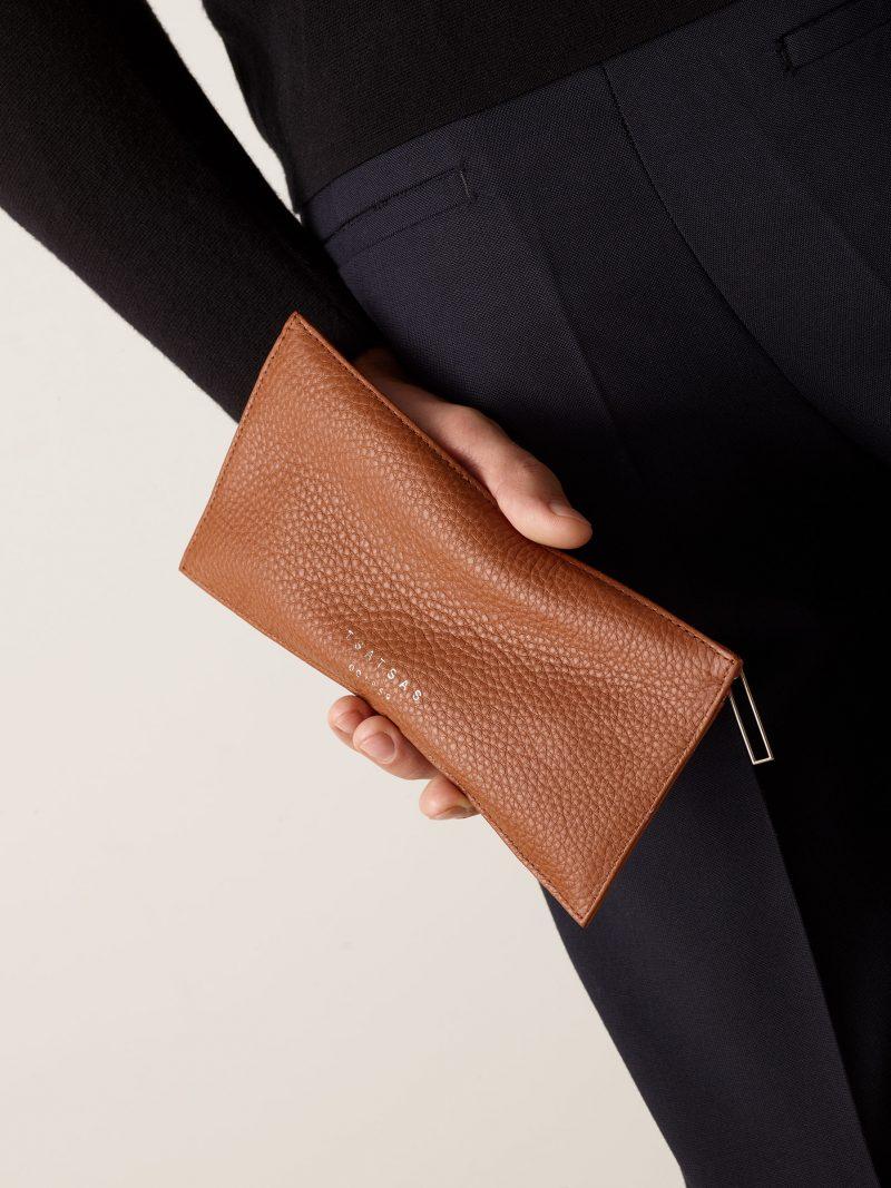 MATTER 1 case in tan calfskin leather | TSATSAS