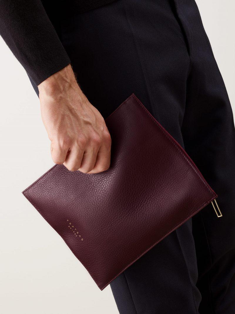 MATTER 2 case in burgundy calfskin leather | TSATSAS