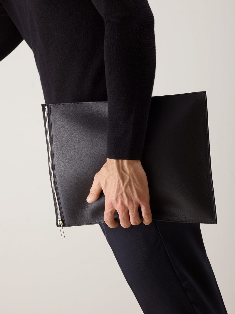 MATTER 3 case in black calfskin leather | TSATSAS
