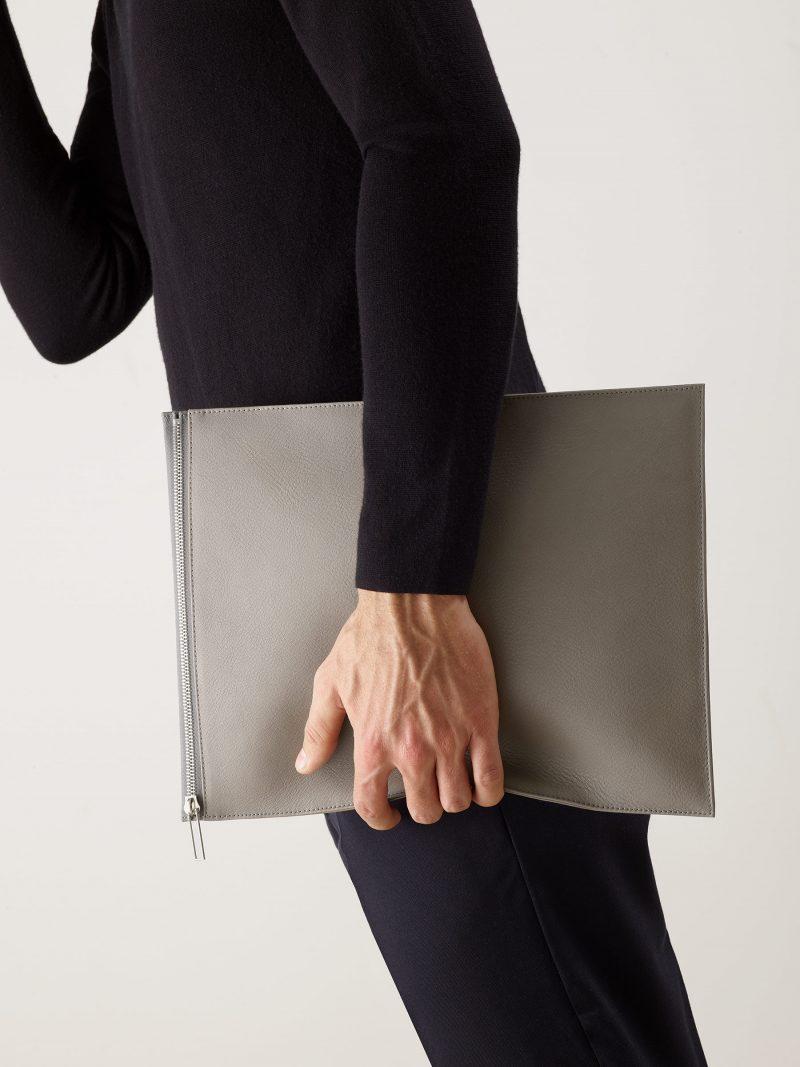 MATTER 3 case in grey calfskin leather | TSATSAS