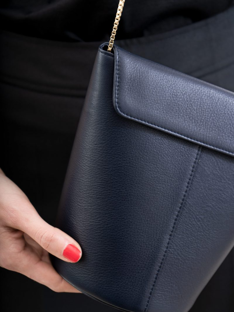 OLIVE shoulder bag in navy blue calfskin leather | TSATSAS