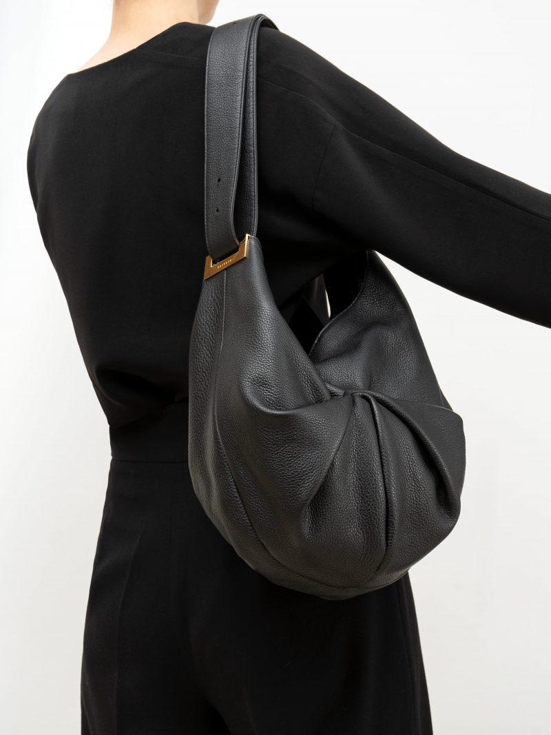 SACAR S shoulder bag in black calfskin leather | TSATSAS