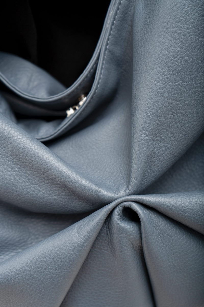 SACAR S shoulder bag in slate blue calfskin leather | TSATSAS
