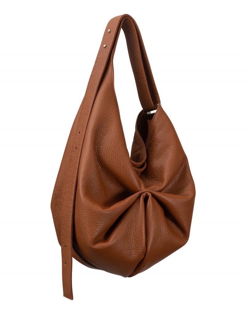 SACAR S shoulder bag in tan calfskin leather   TSATSAS