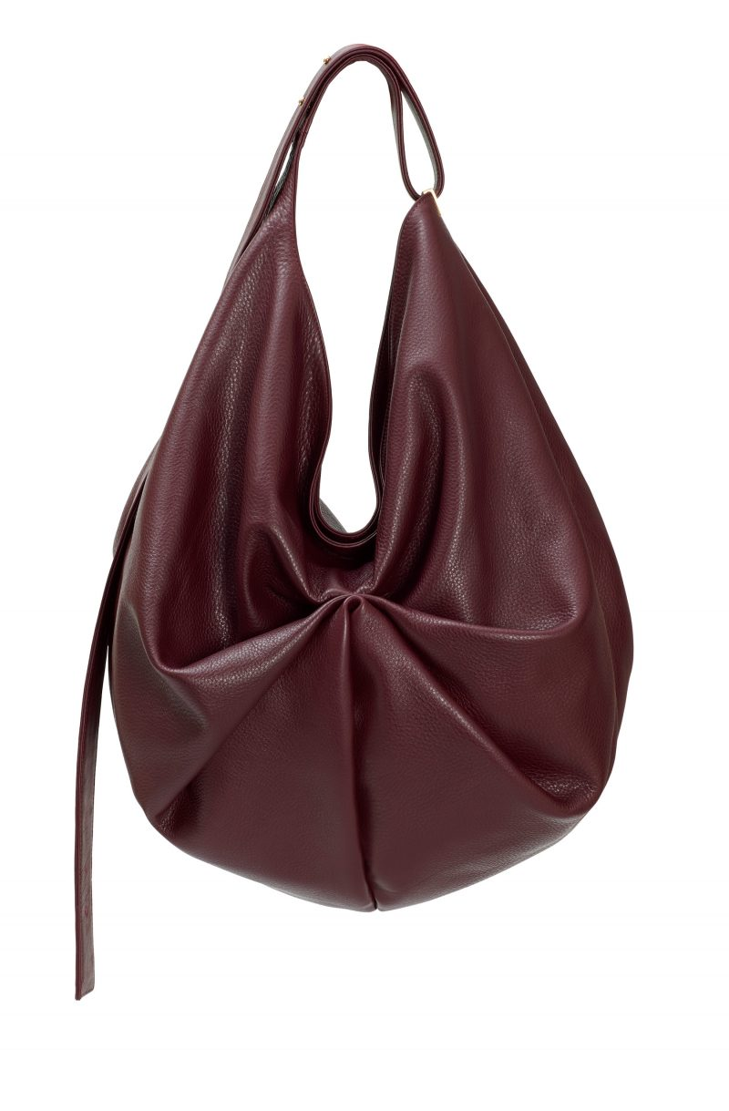 SACAR shoulder bag in burgundy calfskin leather | TSATSAS