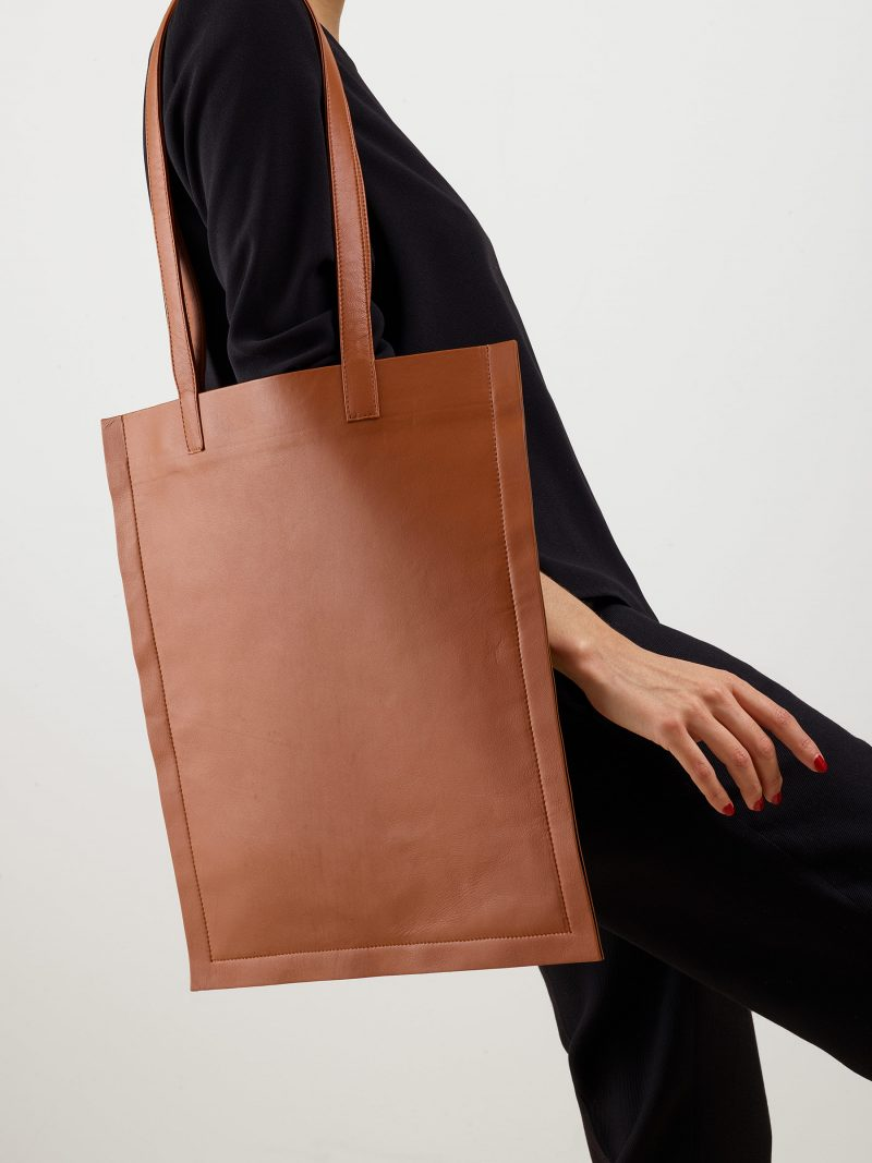 STRATO shoulder bag in tan lamb nappa leather | TSATSAS