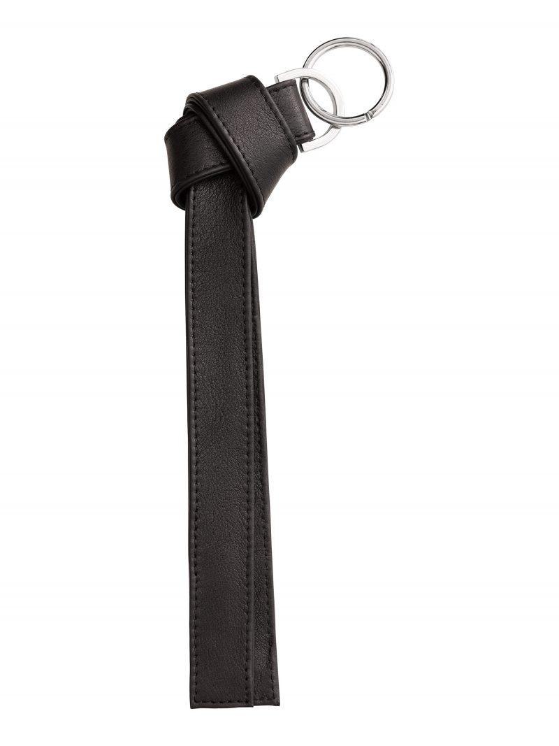 TAPE K keychain in black calfskin leather | TSATSAS