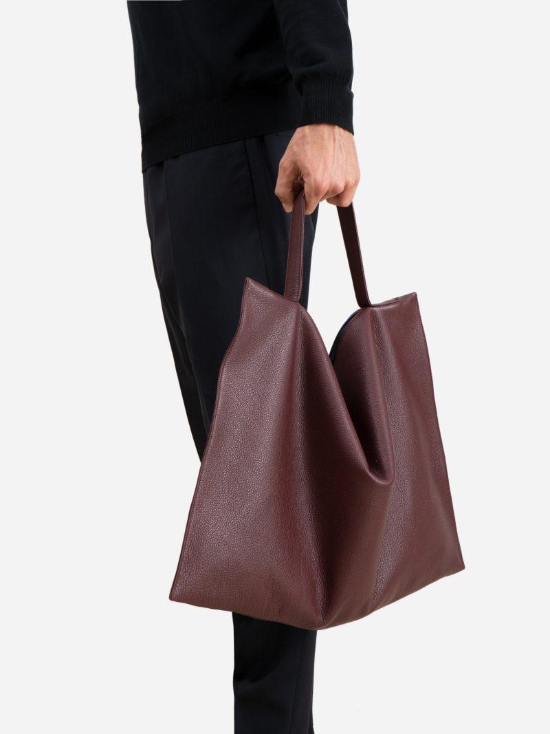 NATHAN shoulder bag in burgundy calfskin leather | TSATSAS