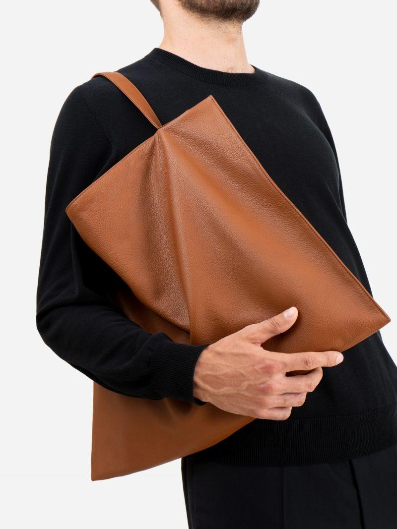 NATHAN shoulder bag in tan calfskin leather | TSATSAS