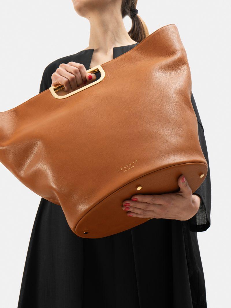 ANOUK tote bag in tan calfskin leather | TSATSAS