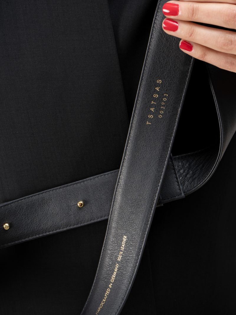SOMA belt in black calfskin leather | TSATSAS