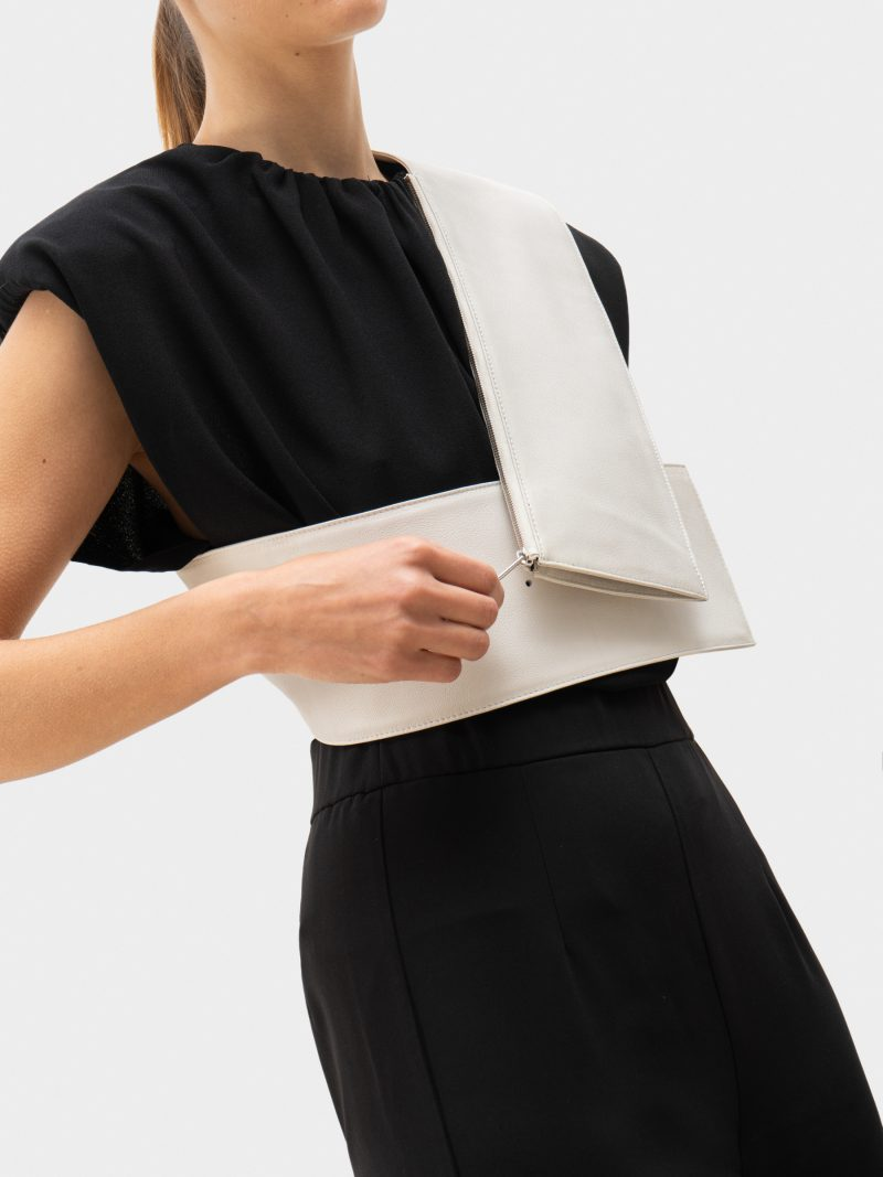 SOMA waist belt with bag in off-white calfskin leather | TSATSAS