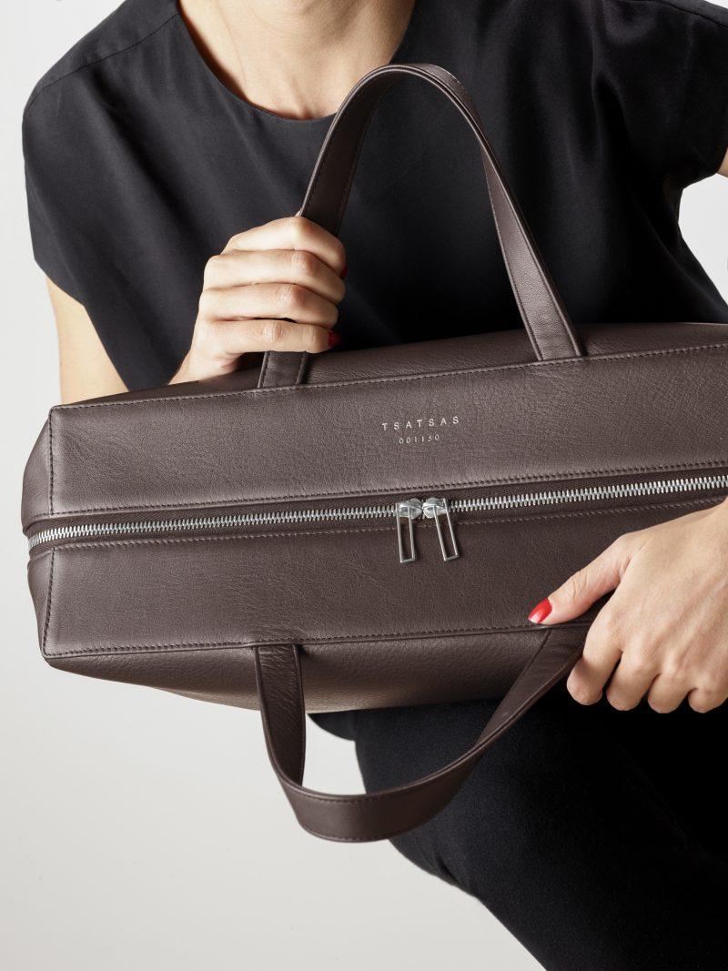COEN tote bag in dark brown calfskin leather | TSATSAS