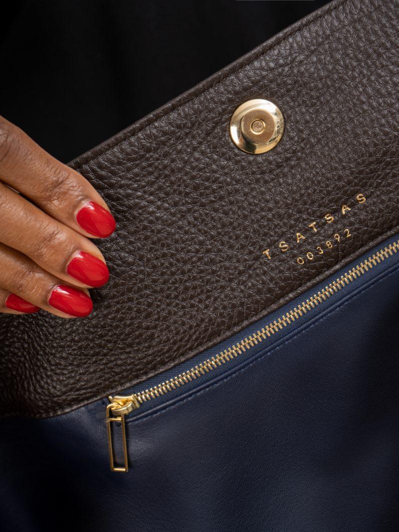 SACAR shoulder bag in dark brown calfskin leather | TSATSAS