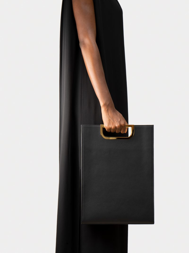 SOODEN handbag in black calfskin leather | TSATSAS
