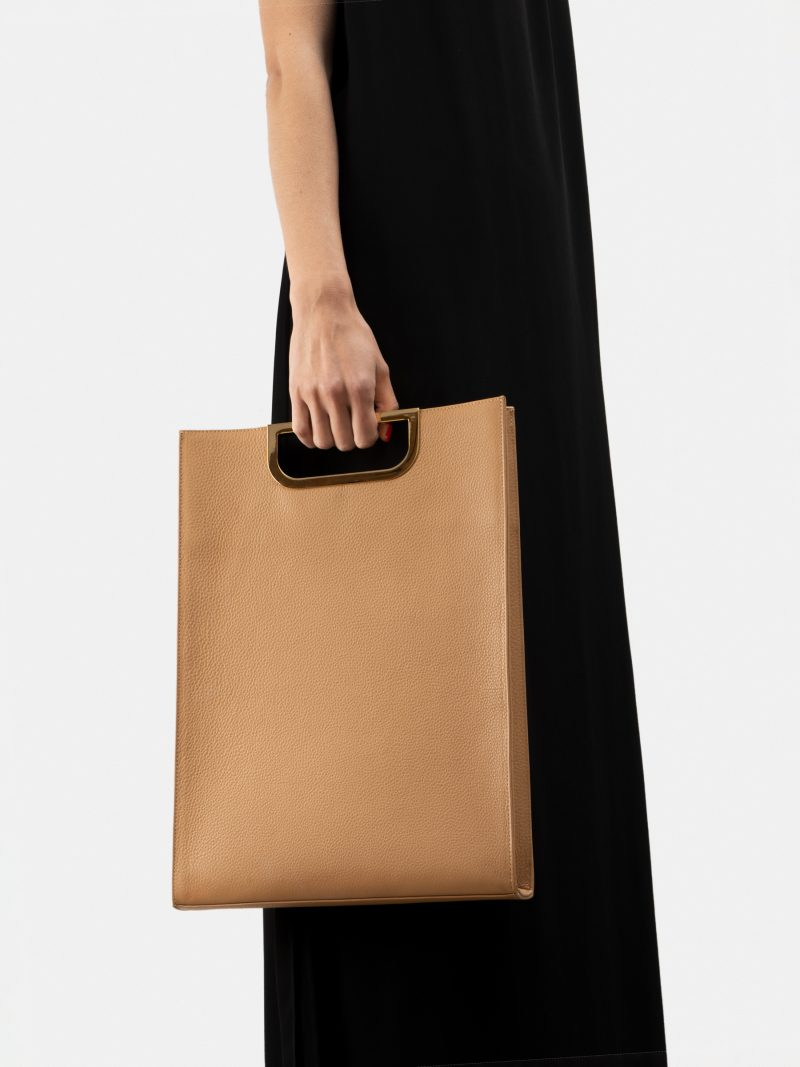 SOODEN handbag in cashew calfskin leather | TSATSAS