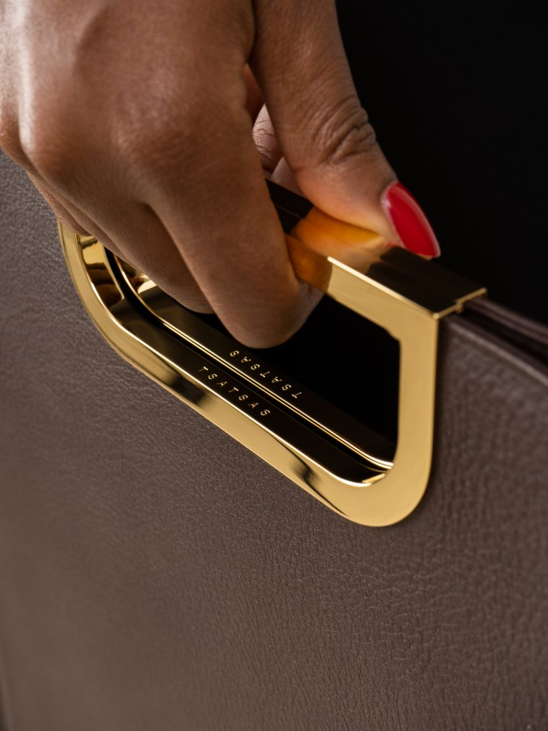 SOODEN handbag in dark brown calfskin leather | TSATSAS