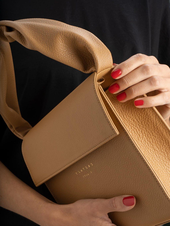 RHEI top handle bag in cashew calfskin leather | TSATSAS