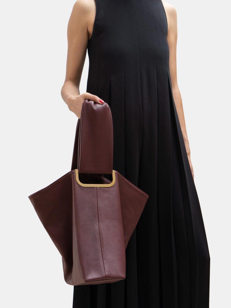 SHIFT shoulder bag in burgundy calfskin leather | TSATSAS