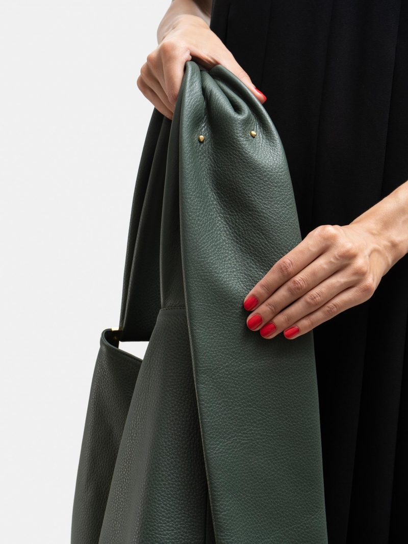 SHIFT shoulder bag in pine green calfskin leather | TSATSAS